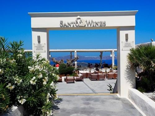 santo-wines7.jpg